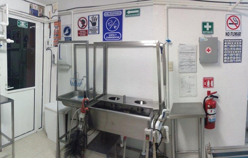 area de lavado agua destilada